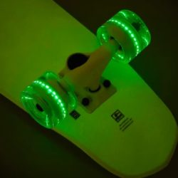 Skateboard Cruiser complet Globe Blazer Cruiser Glow in The Dark
